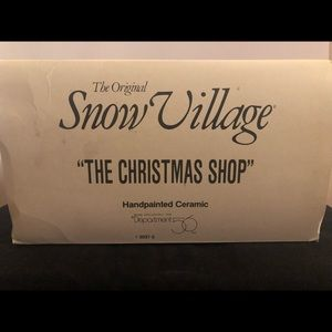 "Dept 56 Holiday - ""The Christmas Shop"".  X-Mas Village piece"